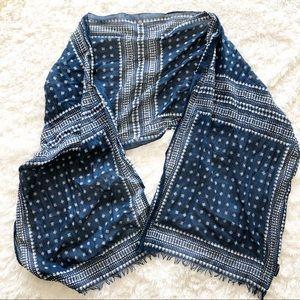 Madewell Fringe scarf 🧣 Navy & White Pattern